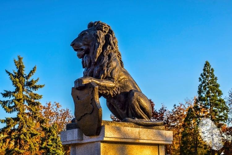 Лъвът се изправи пред НДК